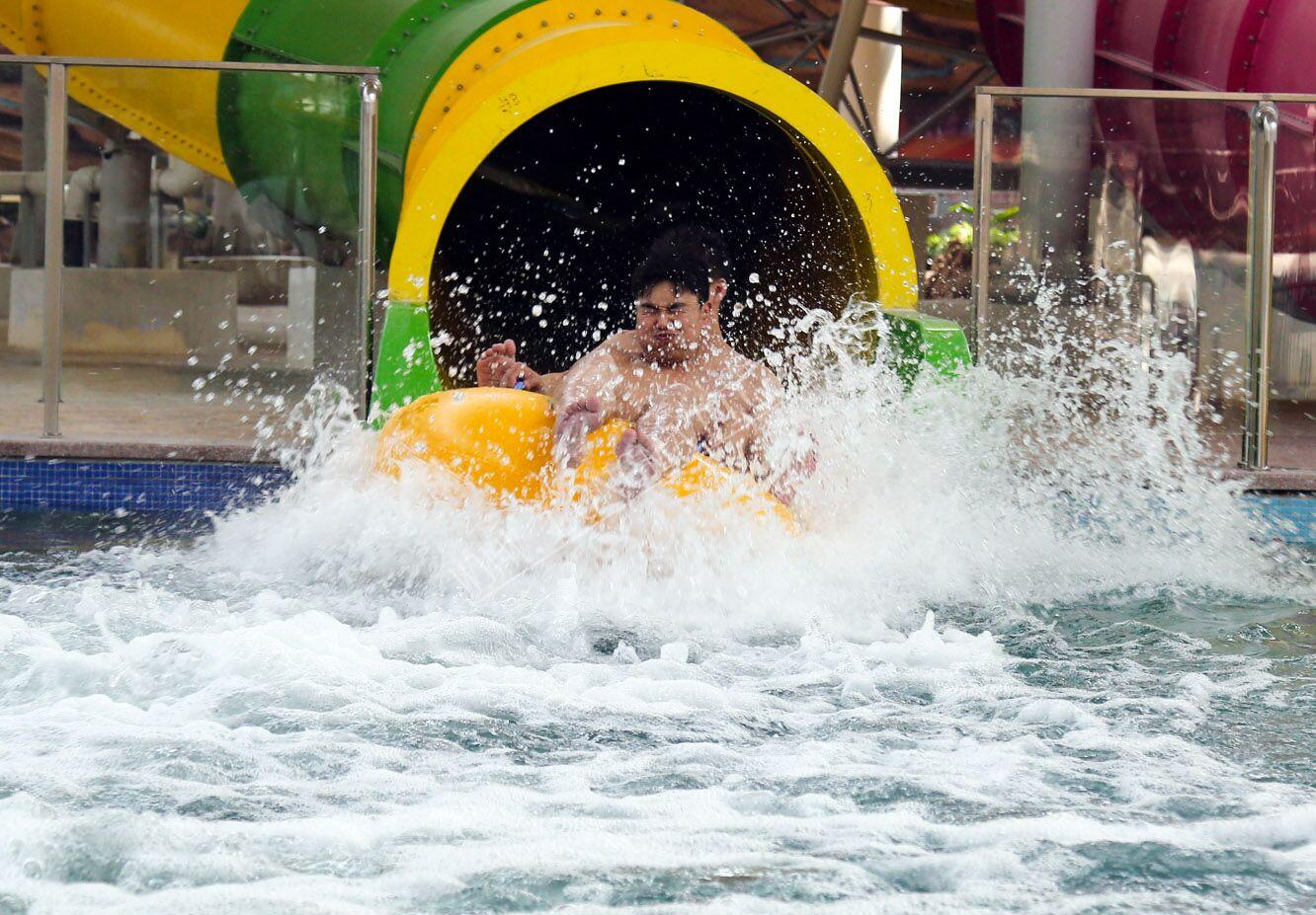 Roller coaster water park slide