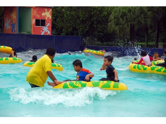 wave pool supplier