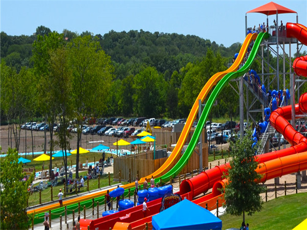 The difference between water slides and ordinary slides